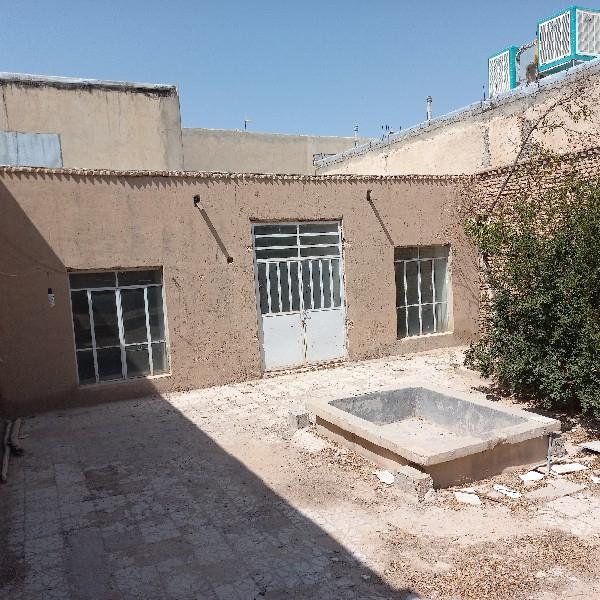 فروش منزل مسکونی در نی ریز، خیابان قائم شرقی